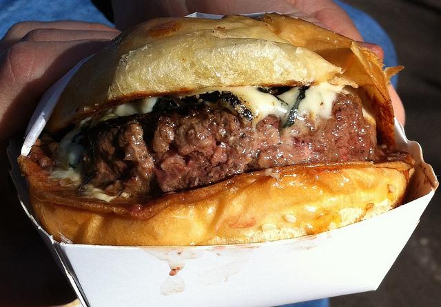 Melhor hambúrguer tradicional da minha vida. Sem exagero