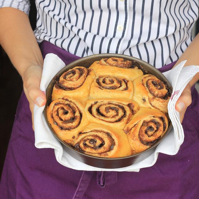 Cinnamon roll, rosca americana de canela com cobertura de cream cheese