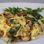 Tagliatelle com champignon