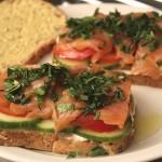 Receita rápida de sanduíche de salmão
