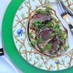Atum selado, purê, wasabi e gengibre da ICI Brasserie