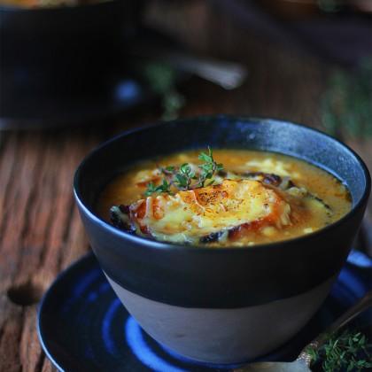 Sopa de cebola francesa igual de restaurante