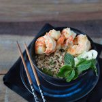 arroz oriental com camarões